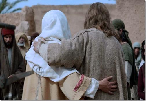 *Узнайте в Евангелии от Иоанна, ЧТО сказал Сын Человеческий: Я есть Пастырь Добрый - пастырь добрый полагает жизнь свою за овец... Овцы Мои слушаются голоса Моего, и Я знаю их; и они идут за Мною. И Я даю им Жизнь Вечную, и не погибнут вовек; и никто не похитит их из руки Моей...