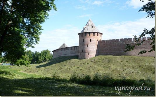 Нажмите на это фото, чтобы вернуться к началу Очерка *Колокол или Шапка Мономаха?..* - из цикла *Путешествие по России...