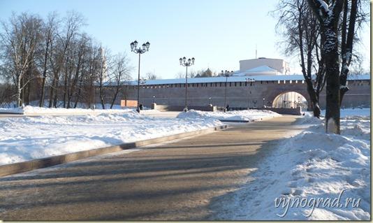 Пройдите по этой ссылке, чтобы вернуться в начало Очерка *Господин Великий Новгород...