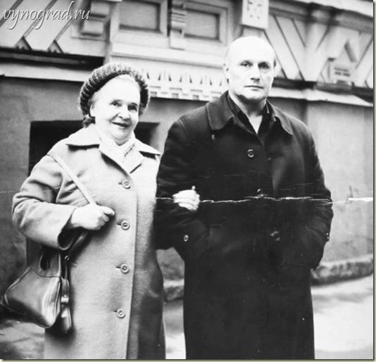На фото - Александр Пороховщиков и его мама Галина Александровна...