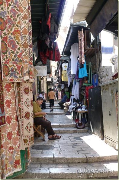 На этом фото - базар в центре Старого Города Иерусалима...