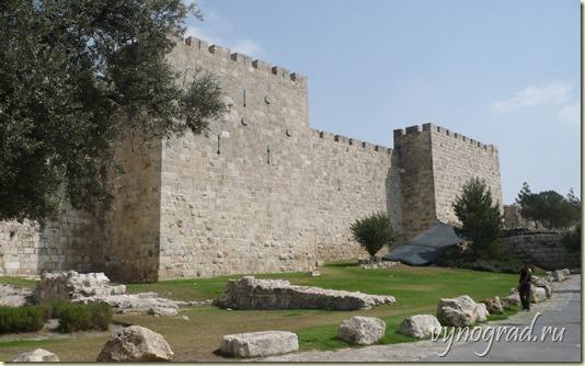 Ссылка этого фото открывает Авторский Очерк *Старый Новый Город Мира* из цикла Путешествие по Израилю...