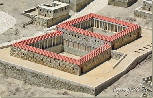 На этом снимке изображена Купальня Вифезда в современной реконструкции...