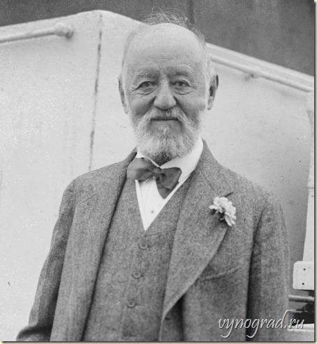 На этой фотографии 1922 года американский предприниматель и меценат Натан Штраус... Ссылка фото ведёт в Очерк *Когда Семья - Человечество*...